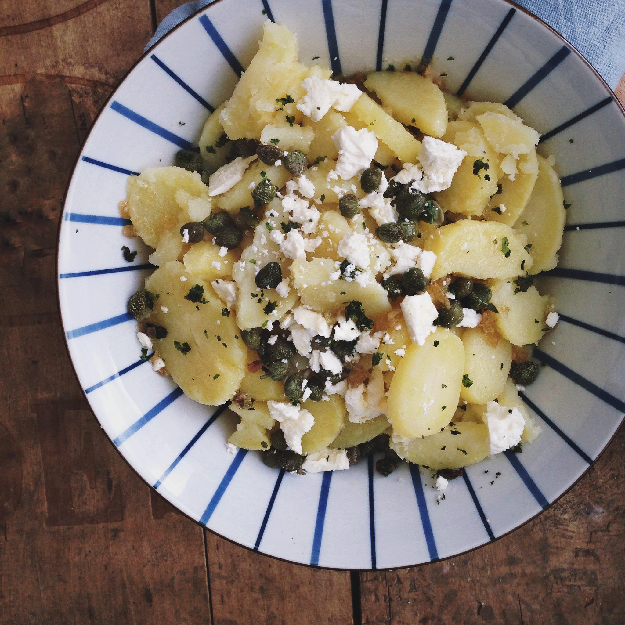 Lauwwarme aardappelsalade met olijfolie