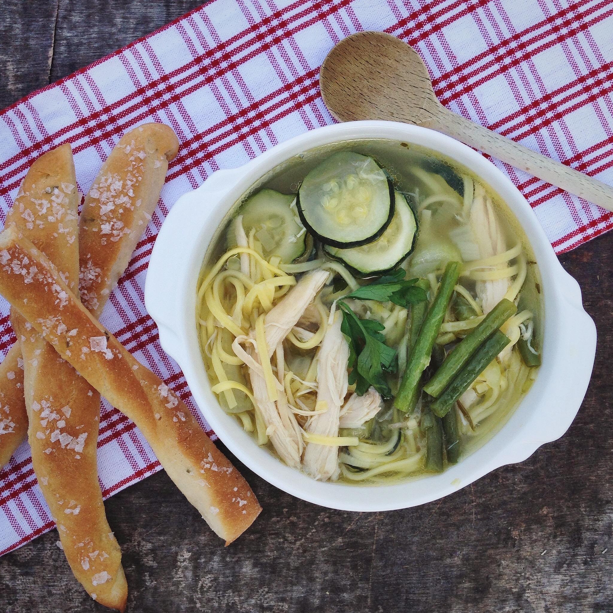 Groene minestrone soep, by Cookingdom