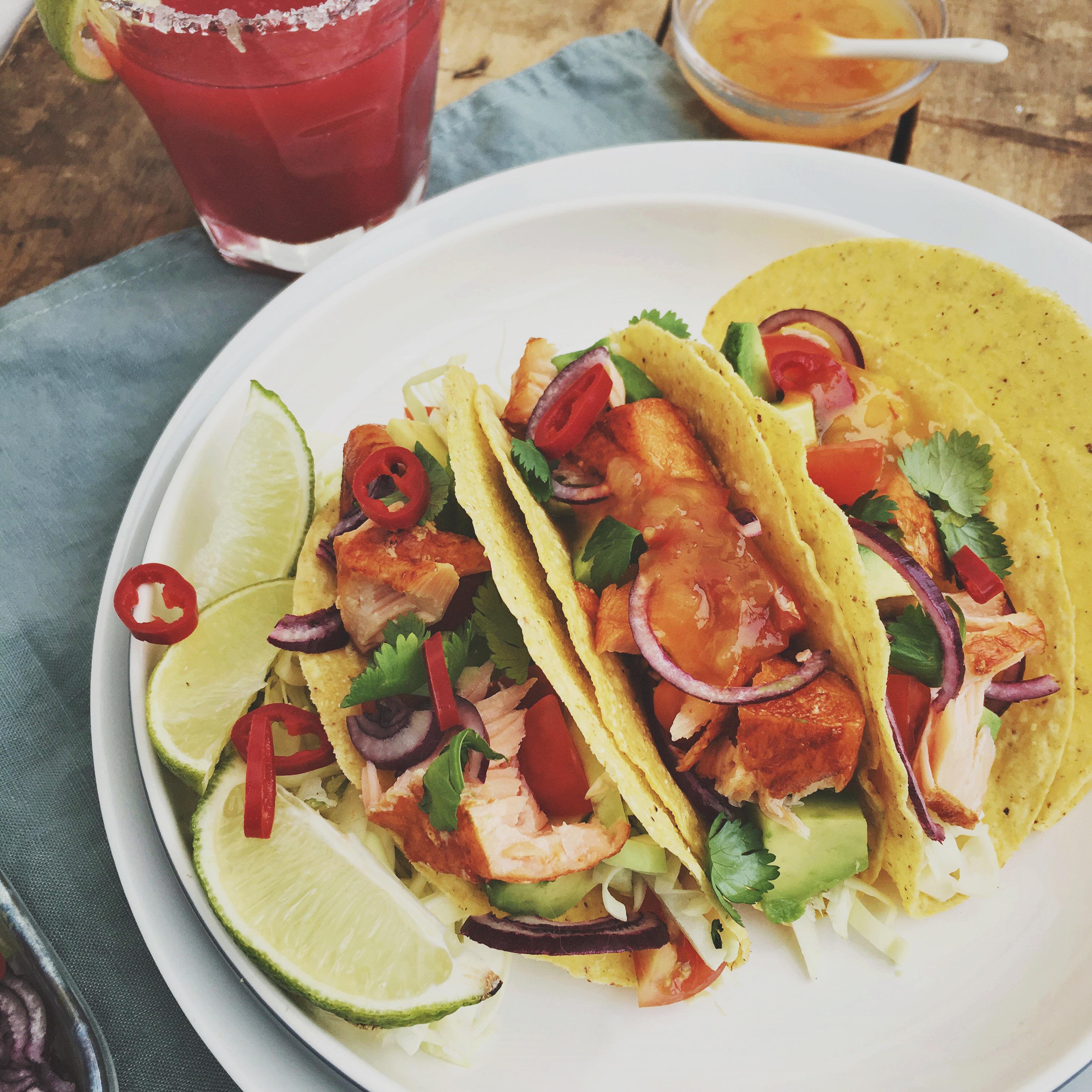 taco's met warmgerookte zalm