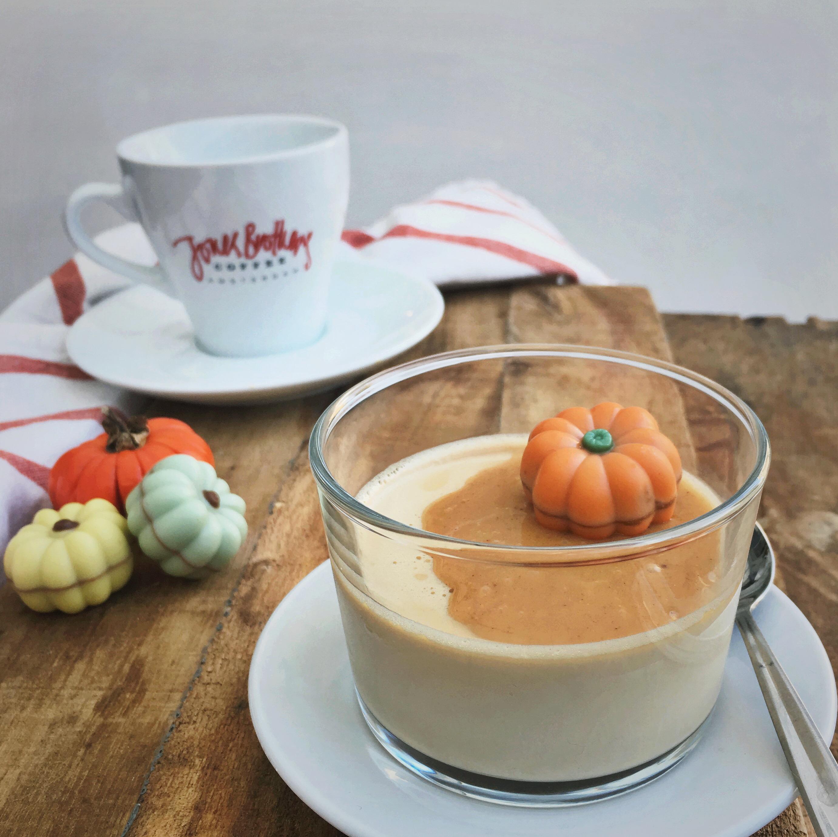 Cappuccino panna cotta met pumpkin spice karamel