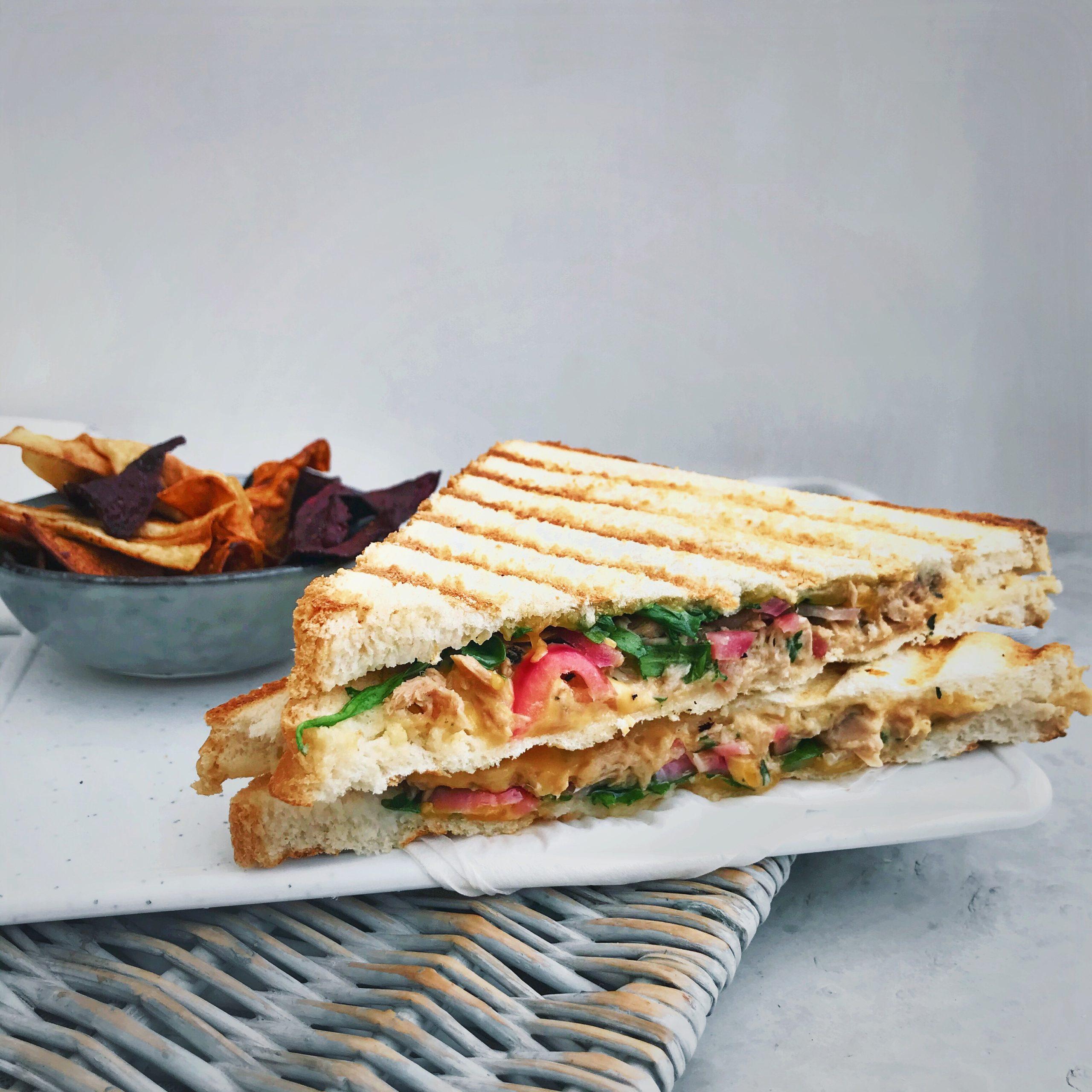 Tuna melt tosti met tonijn en kaas
